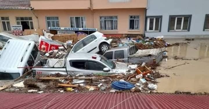 Törökország egyik fele lángokban, másik fele romokban a viharok miatt- képek, videók! 10