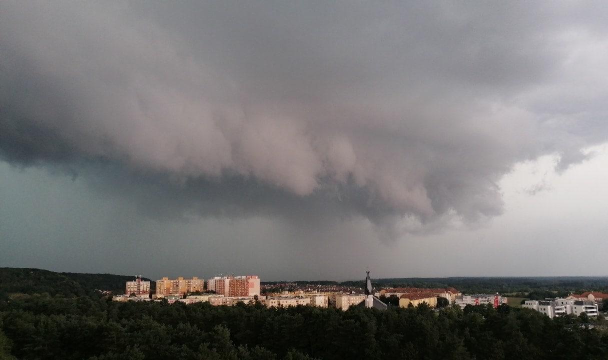 Elérte a Balatont a vihar! Látványos videó! 9