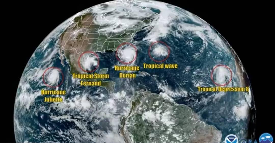 Műholdas videó a jelenlegi (5) trópusi viharról/ képződményről!
