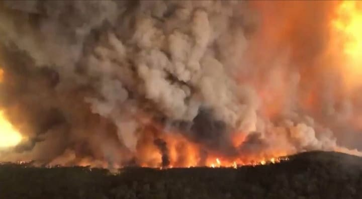 Tomboló tűz tegnap Ausztráliából❗ 10