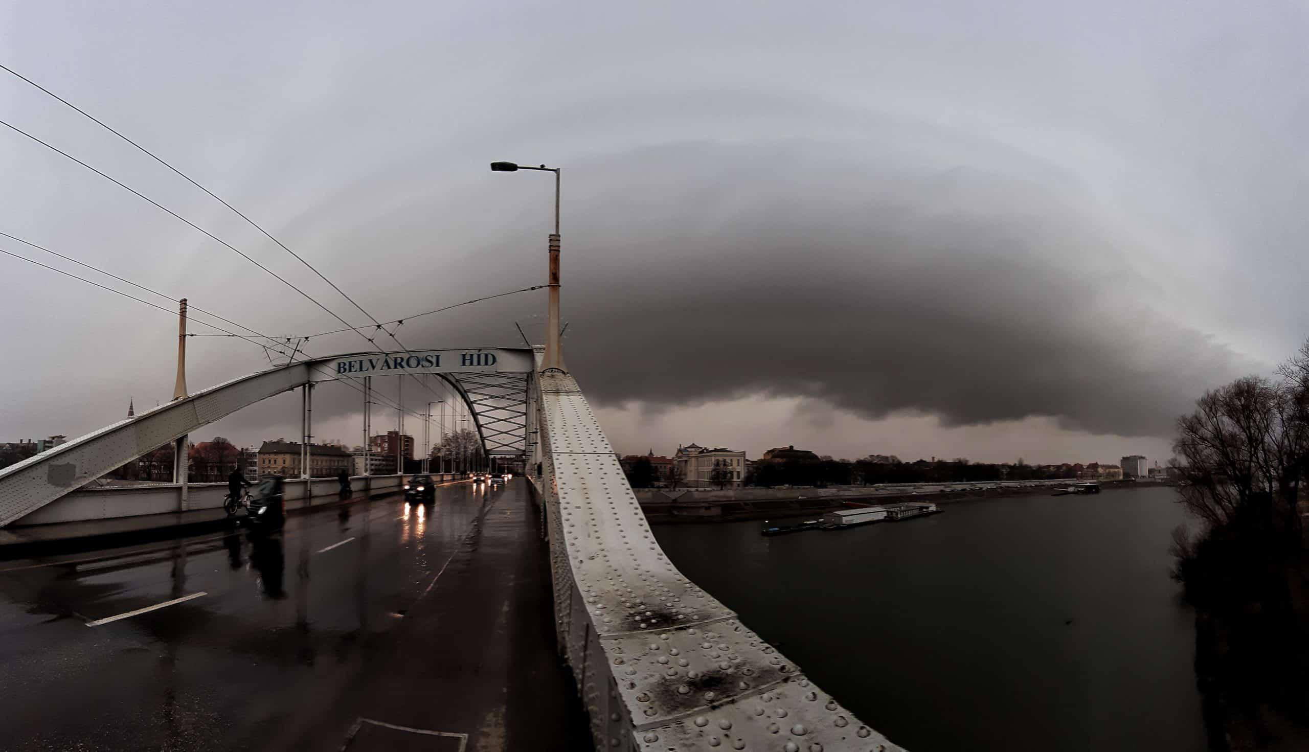 Peremfelhővel és felhőszakadással érkezett a front Szegedre!(képek, videó) 6