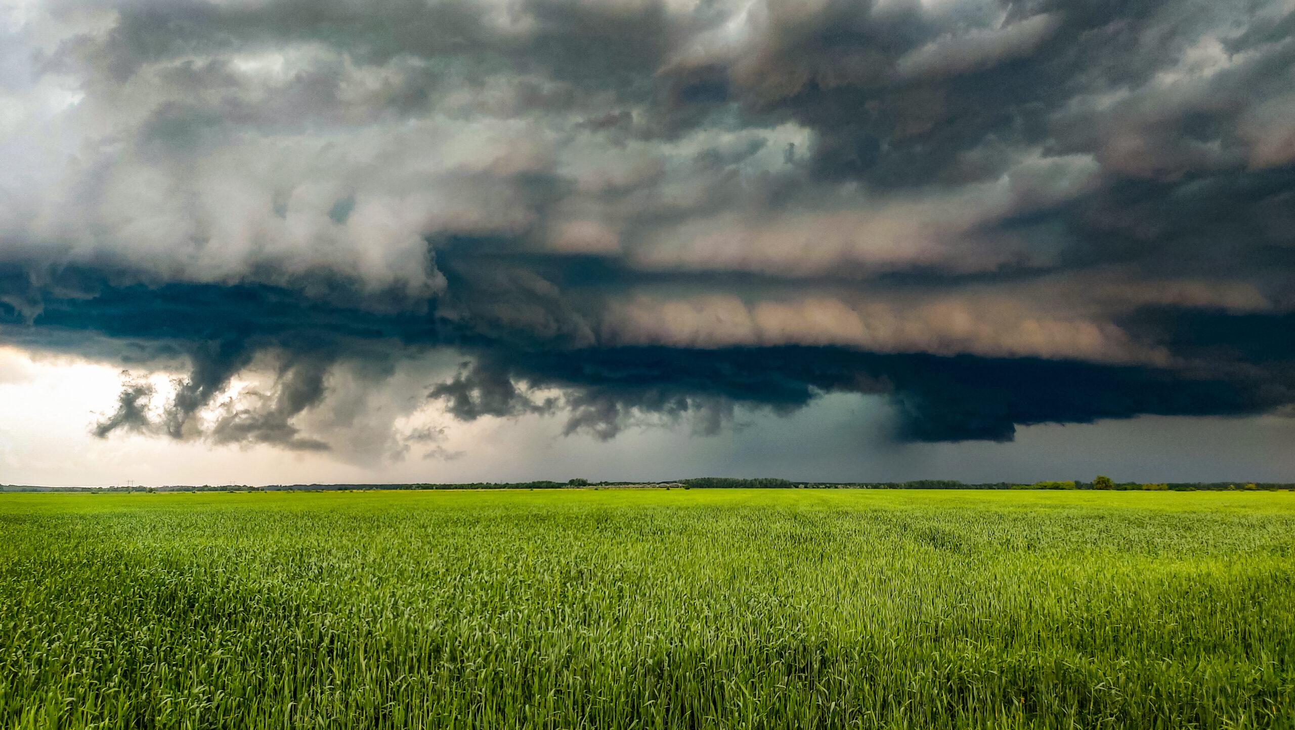 Heves viharokkal érkezik a front szomszédjainkhoz! 1