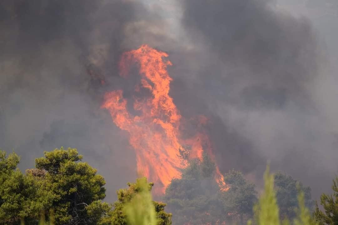 Lángokban Görögország, közel 50fok várható! 3