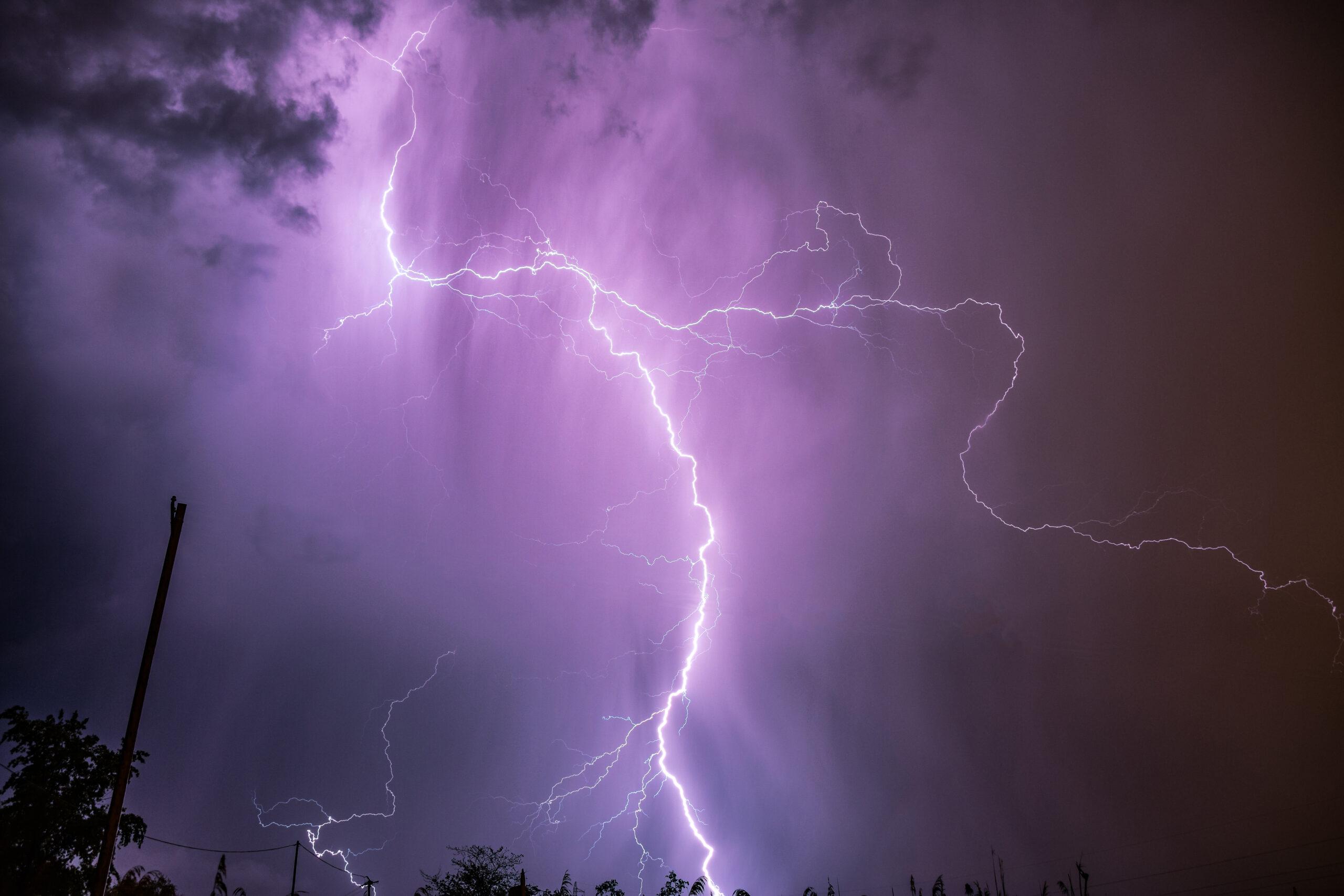 Hatalmas viharok csapnak le éjszaka: nagy jég, felhőszakadás, szélvihar! 4