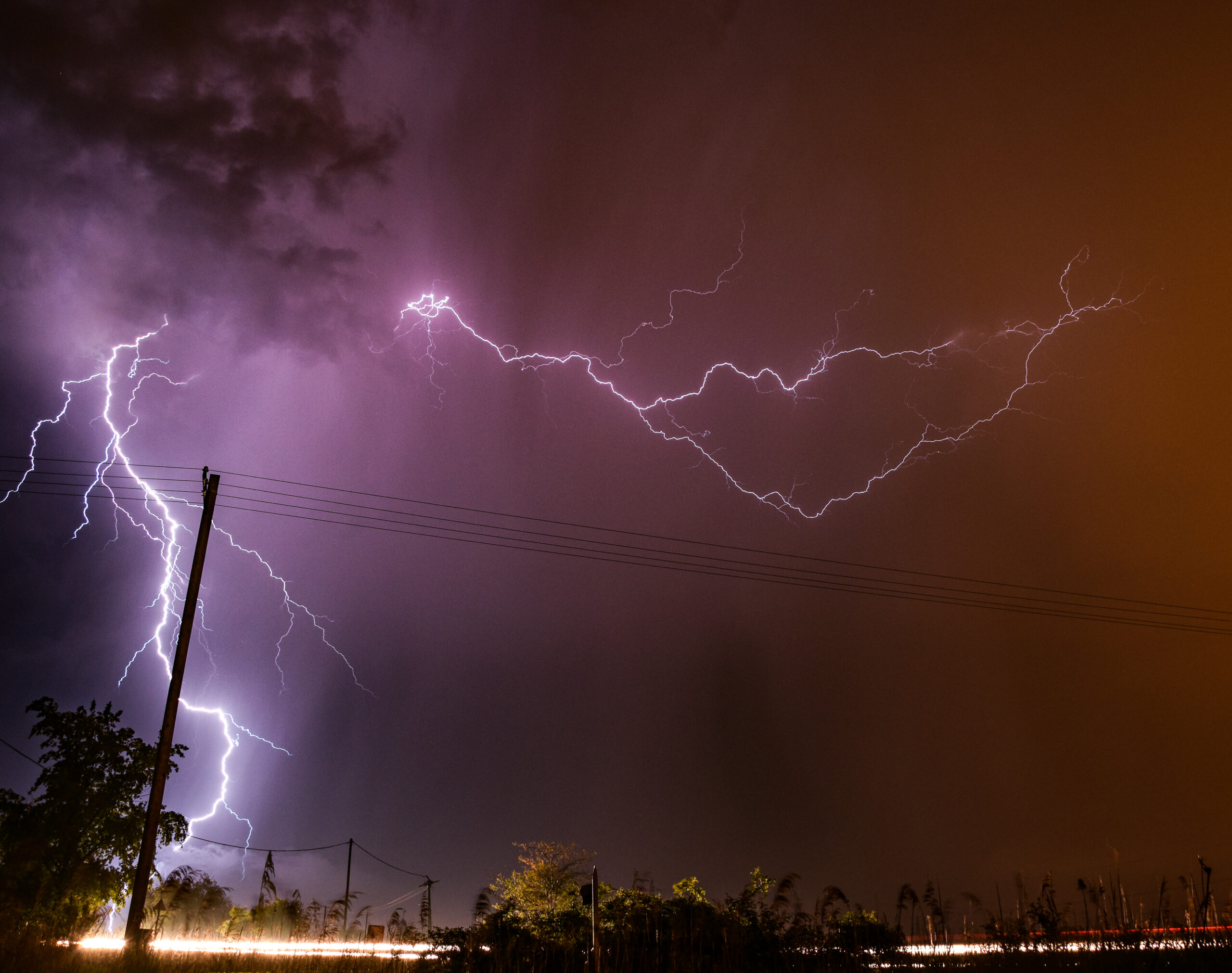 Heves vihar tart Magyarország felé! Jég, felhőszakadás, szél! 2
