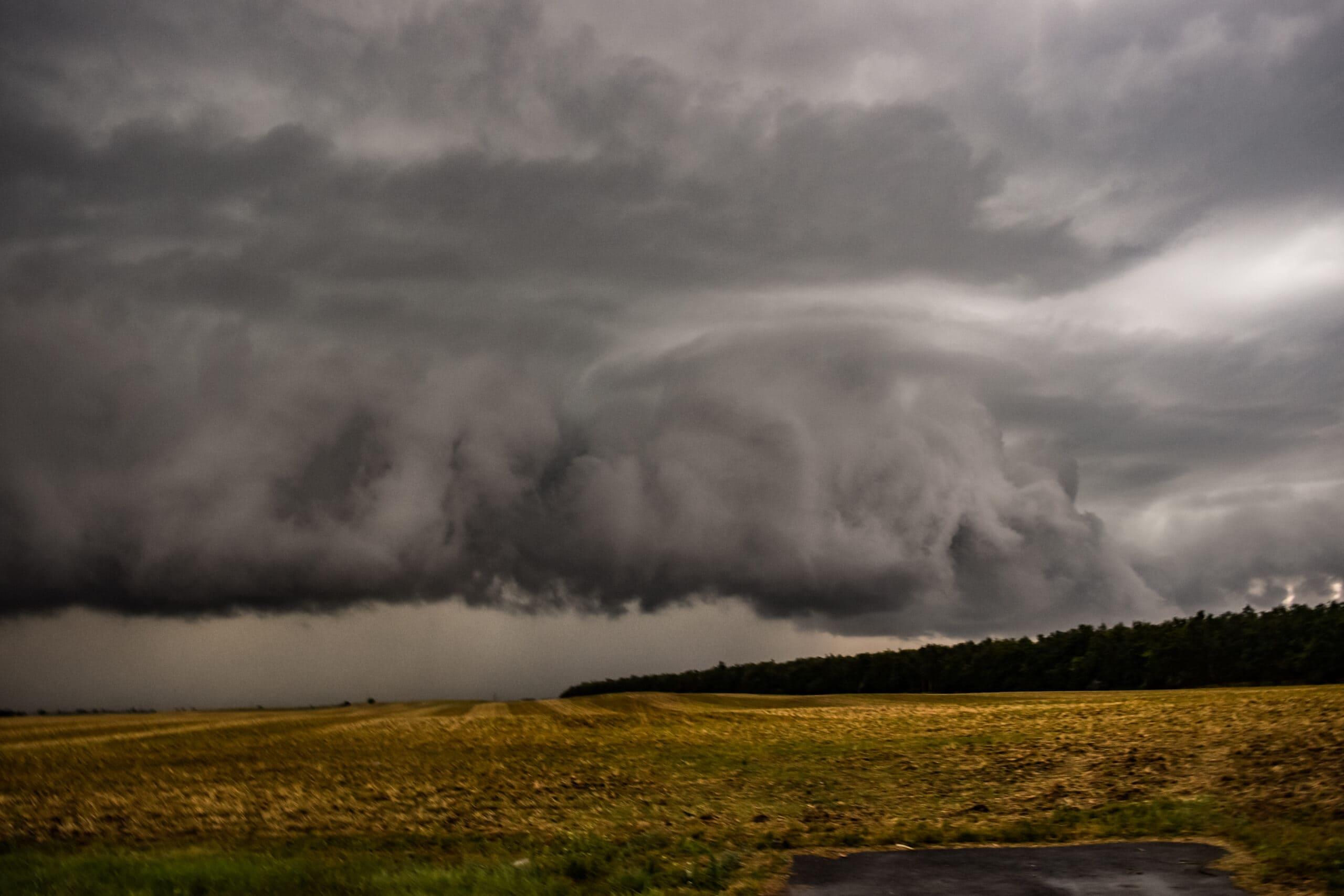 Piros figyelmeztetés a déli határ szerb oldalán a viharok miatt! Nálunk mi lesz? 5