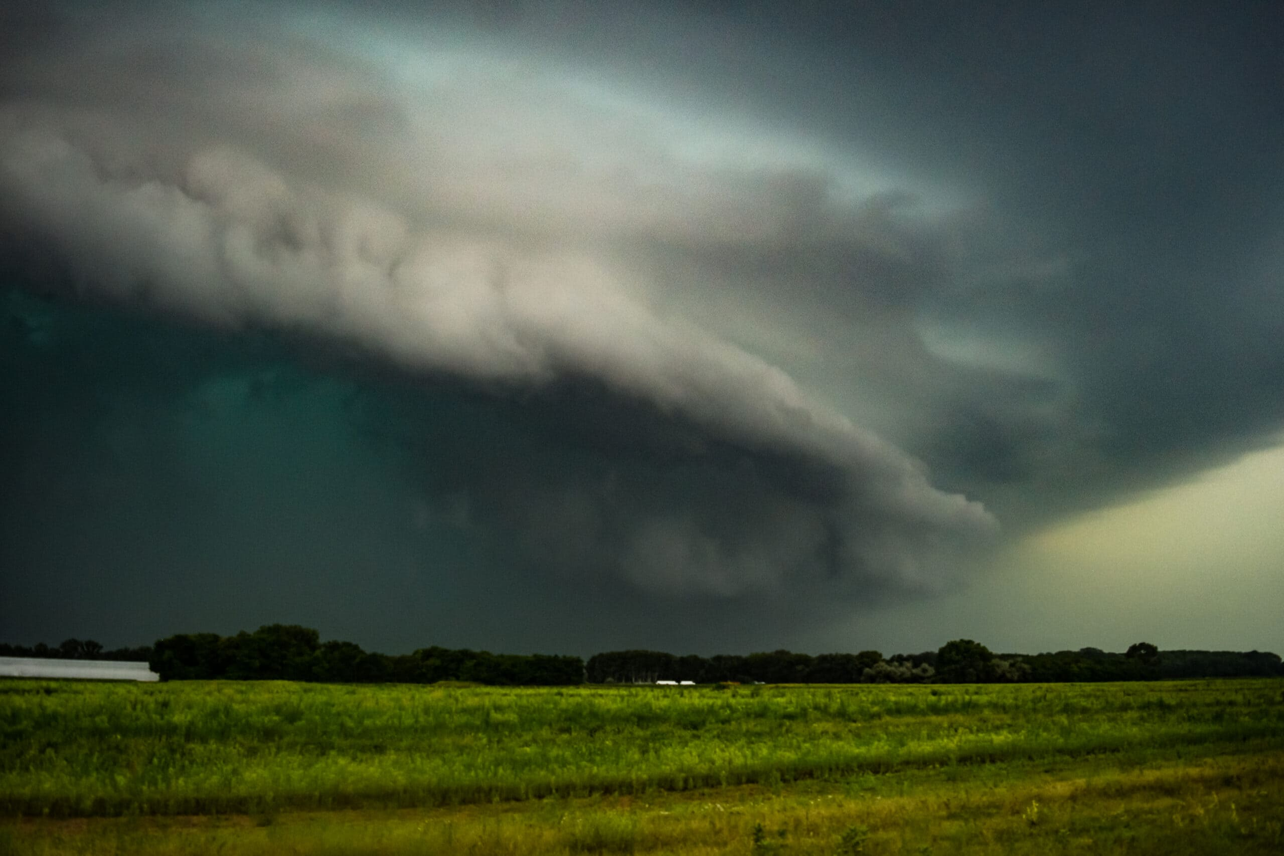 Intenzív zivatarrendszer közelít délnyugat felől hazánkba: felhőszakadás, jégeső, viharos szél kísérheti! 9