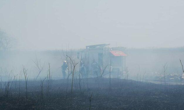 Bashalom Térségében nagy területen lángol a nádas!(képek)
