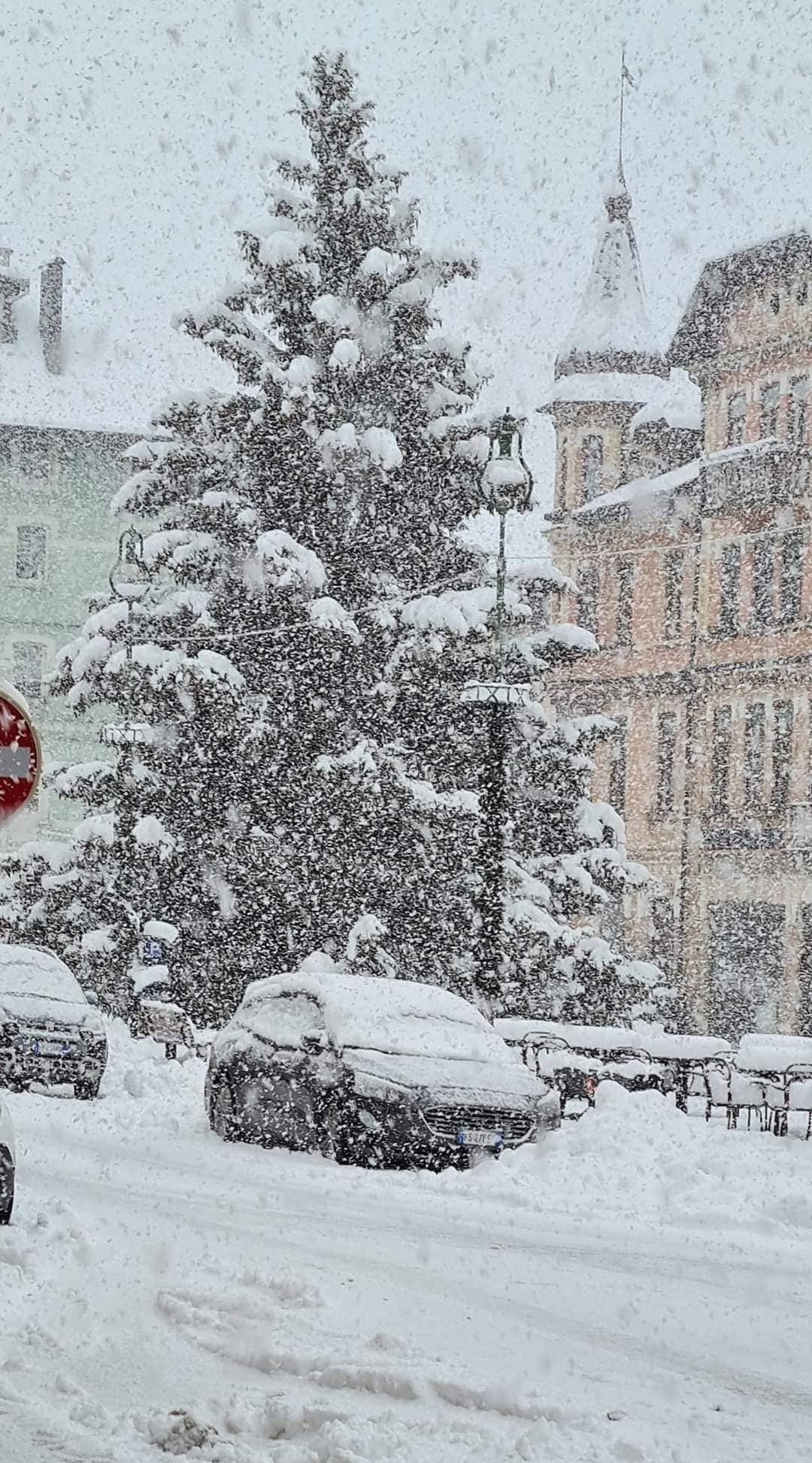 2-5 méter friss hó hullhat az Alpokban a napokban! 4