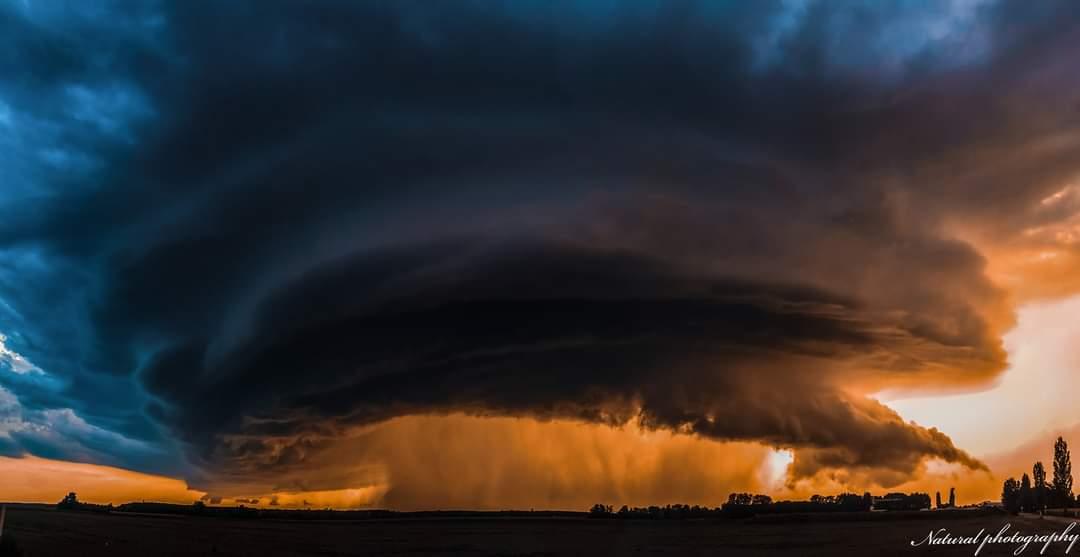Viharos széllel, jégesővel, felhőszakadással érkeznek a heves zivatarok! 2