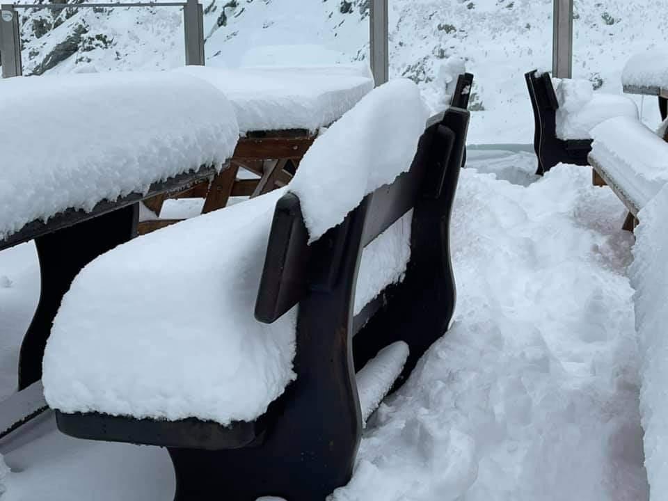 A szomszédos Ausztriában és Olaszországban is ömlik a hó! 3