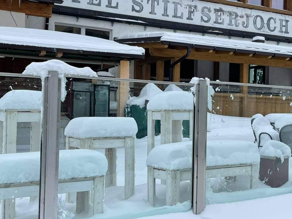 A szomszédos Ausztriában és Olaszországban is ömlik a hó! 4