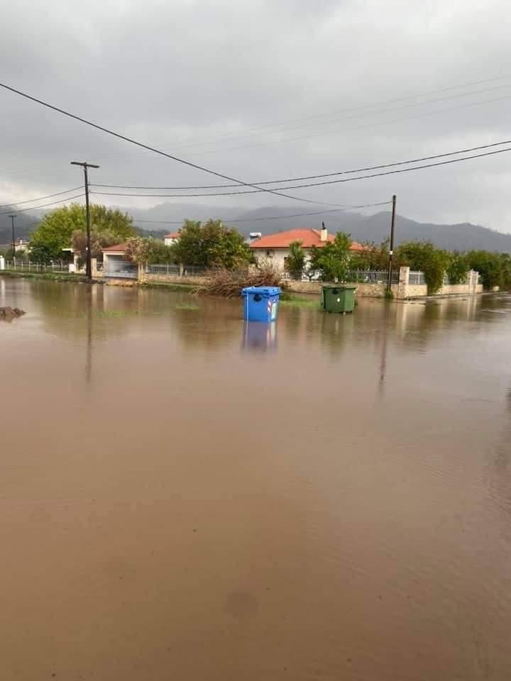 Hatalmas a pusztítás, eltűntek, 723mm eső Görögországban! 4
