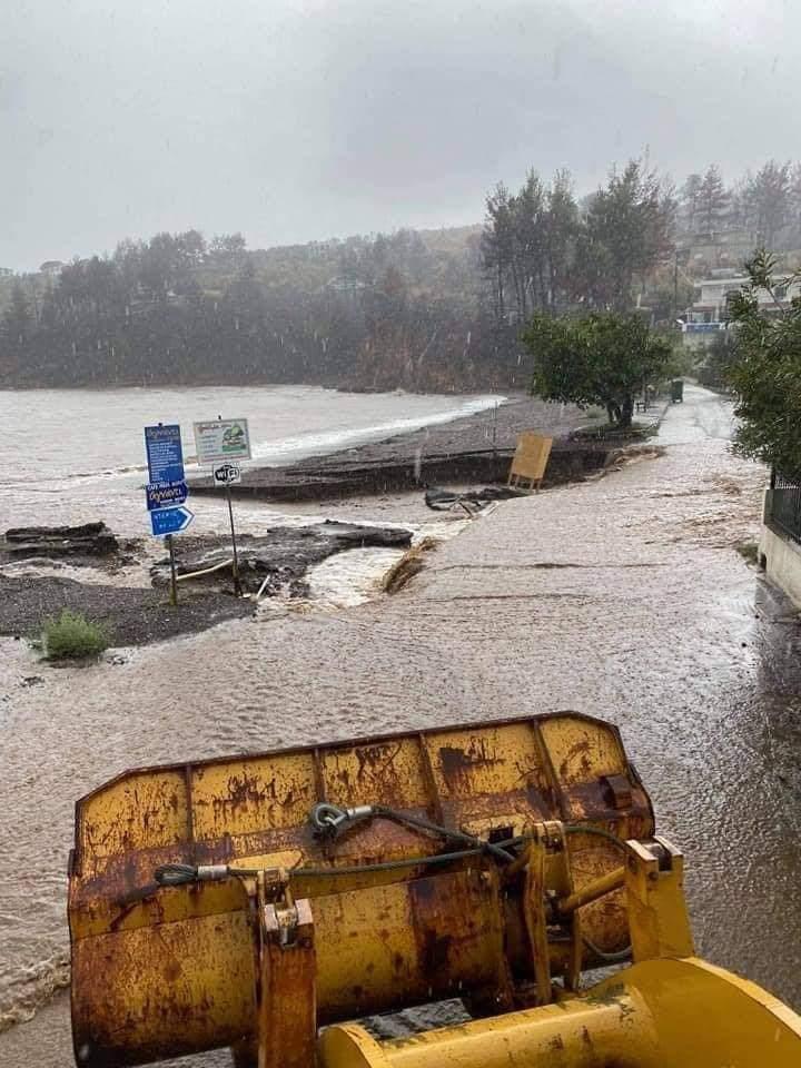 Hatalmas a pusztítás, eltűntek, 723mm eső Görögországban! 5