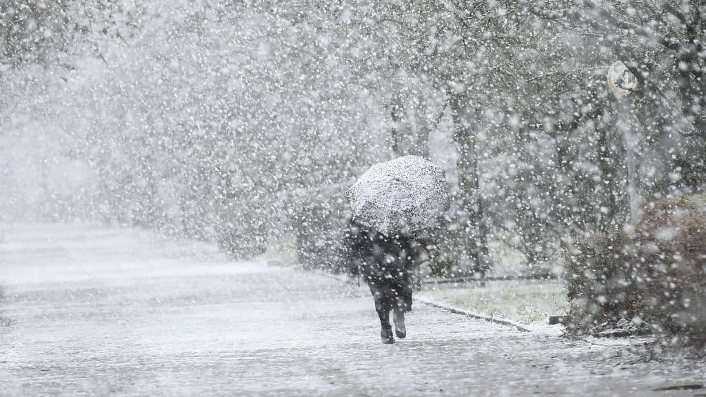 Holnaptól: a hegyekben akár 20cm hó, máshol 20-40mm eső! 9