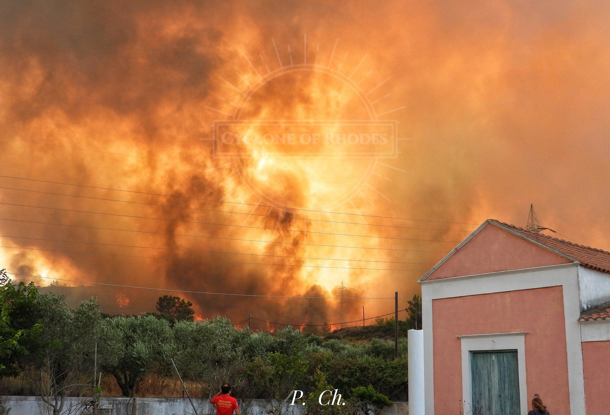 Lángol Görögország, evakuálják a lakosságot! 10