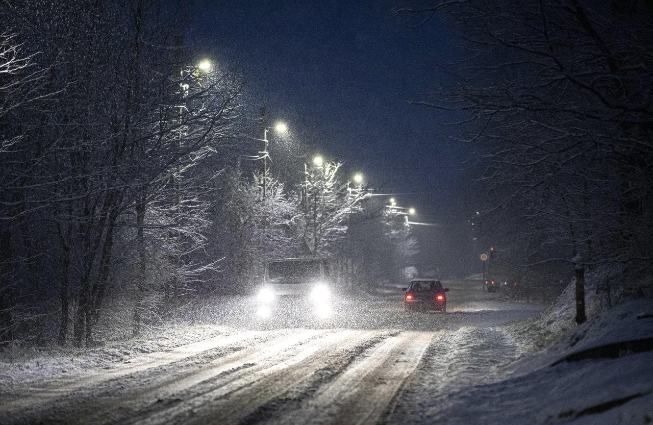 Egyre többfelé havazik, következő órákban néhol akár 5-10cm hó eshet! 1