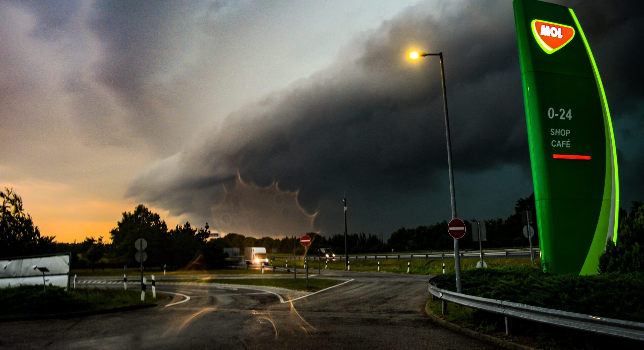 Kedden: fülledtség, akár 33 fok, zivatarok felhőszakadással! 7