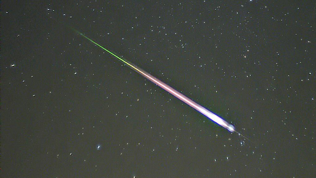Újabb, nagyon fényes meteort láttak, be is csapódhatott! 9