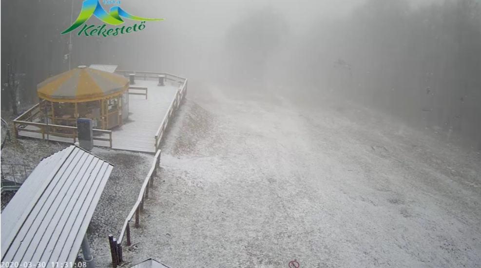 Kékestetőn havazik, egyre fehérebb a táj! 8