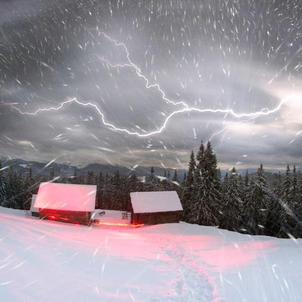 Itt a front: északkeleten havazik, a román határnál zivatar van! 3