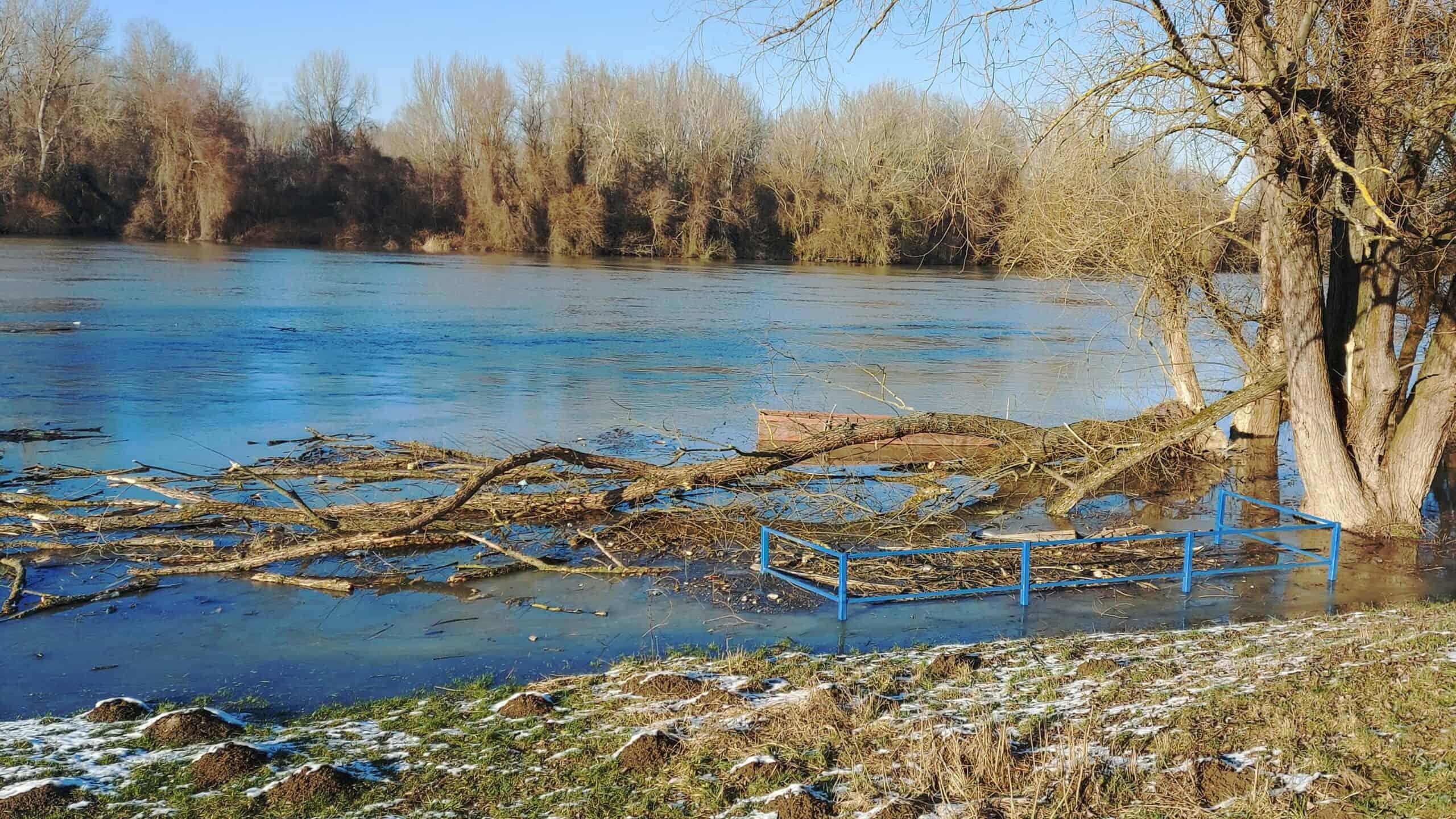 Áradnak folyóink! 5