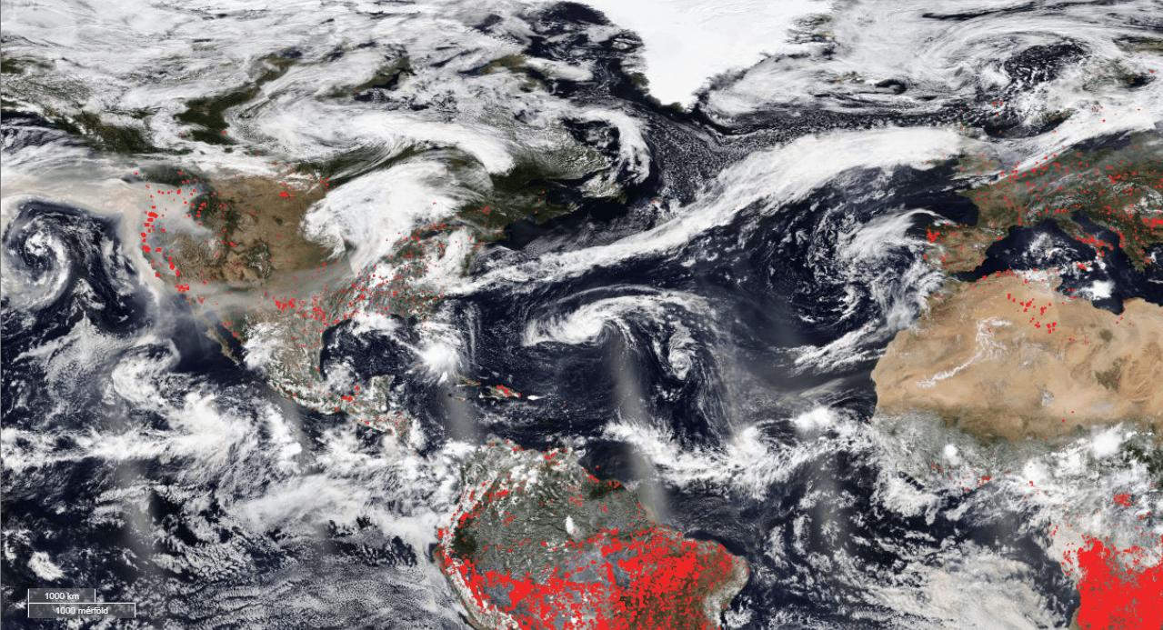 Bozóttüzekből származó füst a műholdas képen