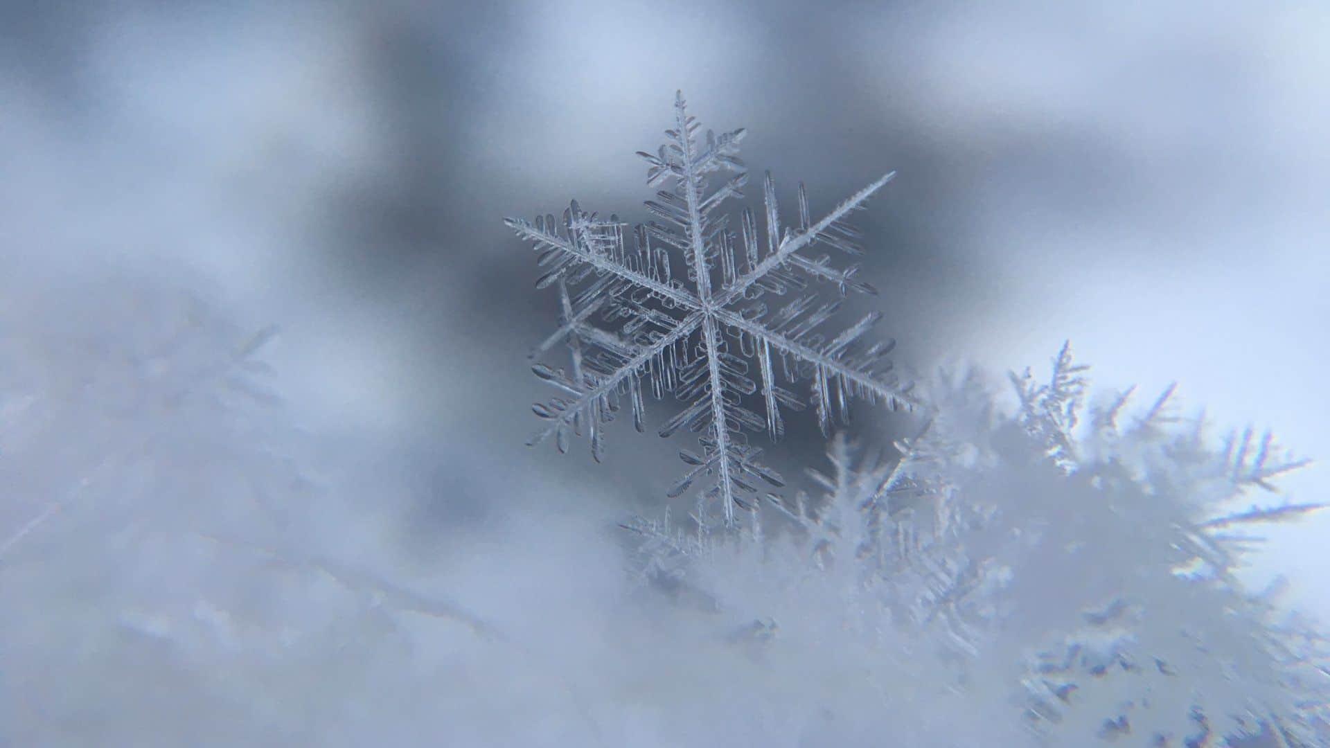 Visszatámad a tél, Benedek zsákban hozza a szibériai eredetű hideget, zivatar, majd havazás is lehet! 4