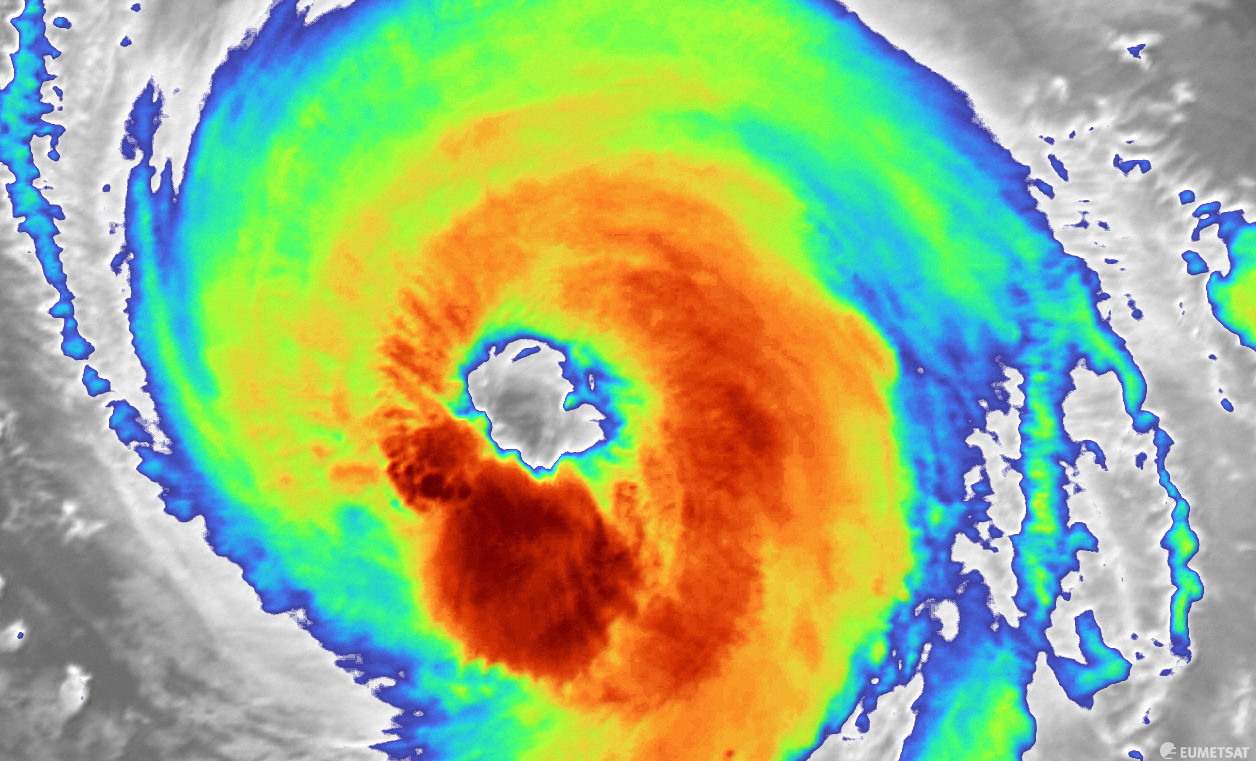 Larry 3-as kategóriájú hurrikánná erősödött! 6