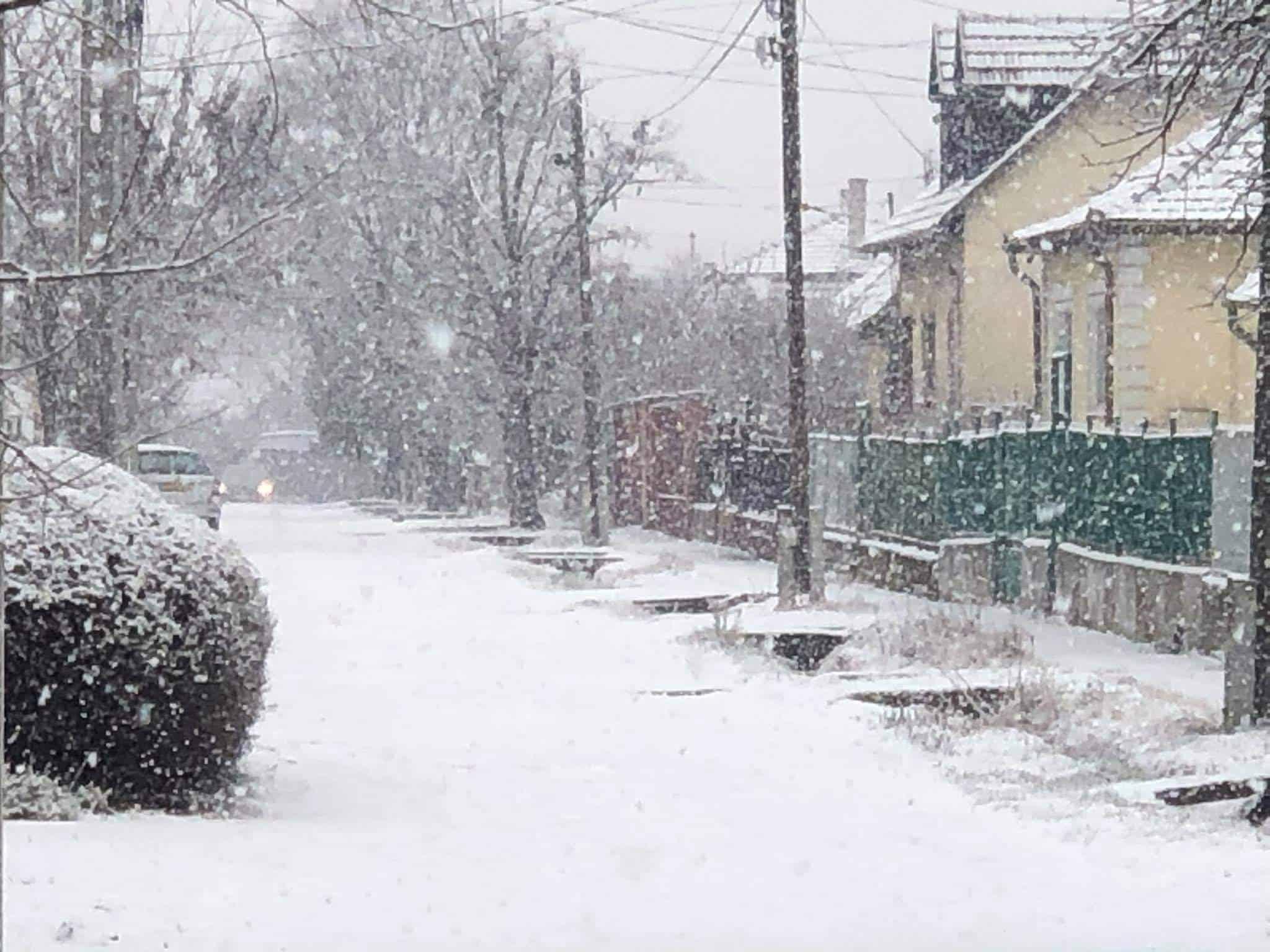 Néhol 5-8cm hó esett, továbbra is havazik sokfelé!(Képek) 9