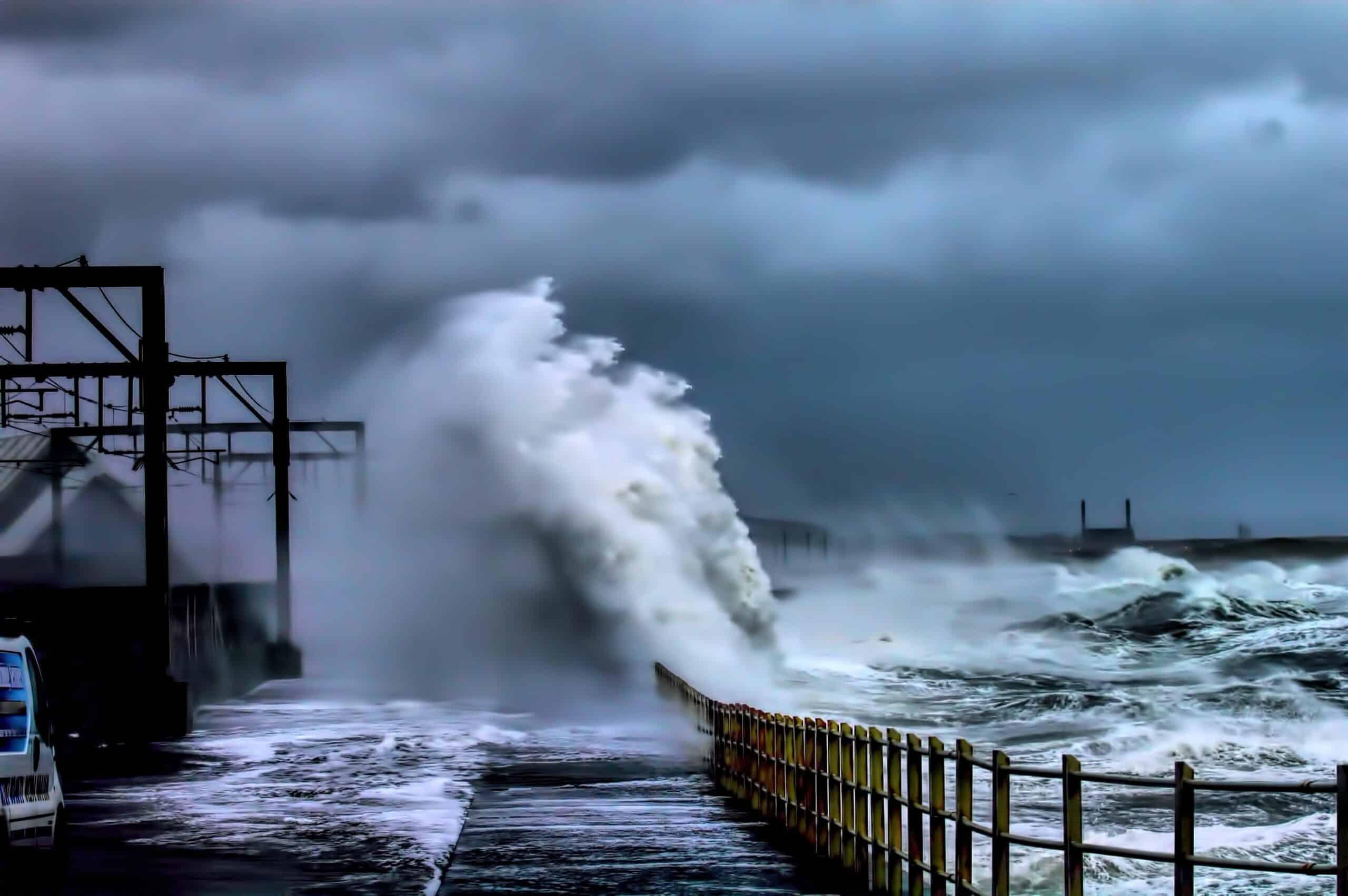 """100km/h körüli széllel csap le a """"karácsonyi"""" vihar Írországra, és Nagy-Britanniára! 5"""