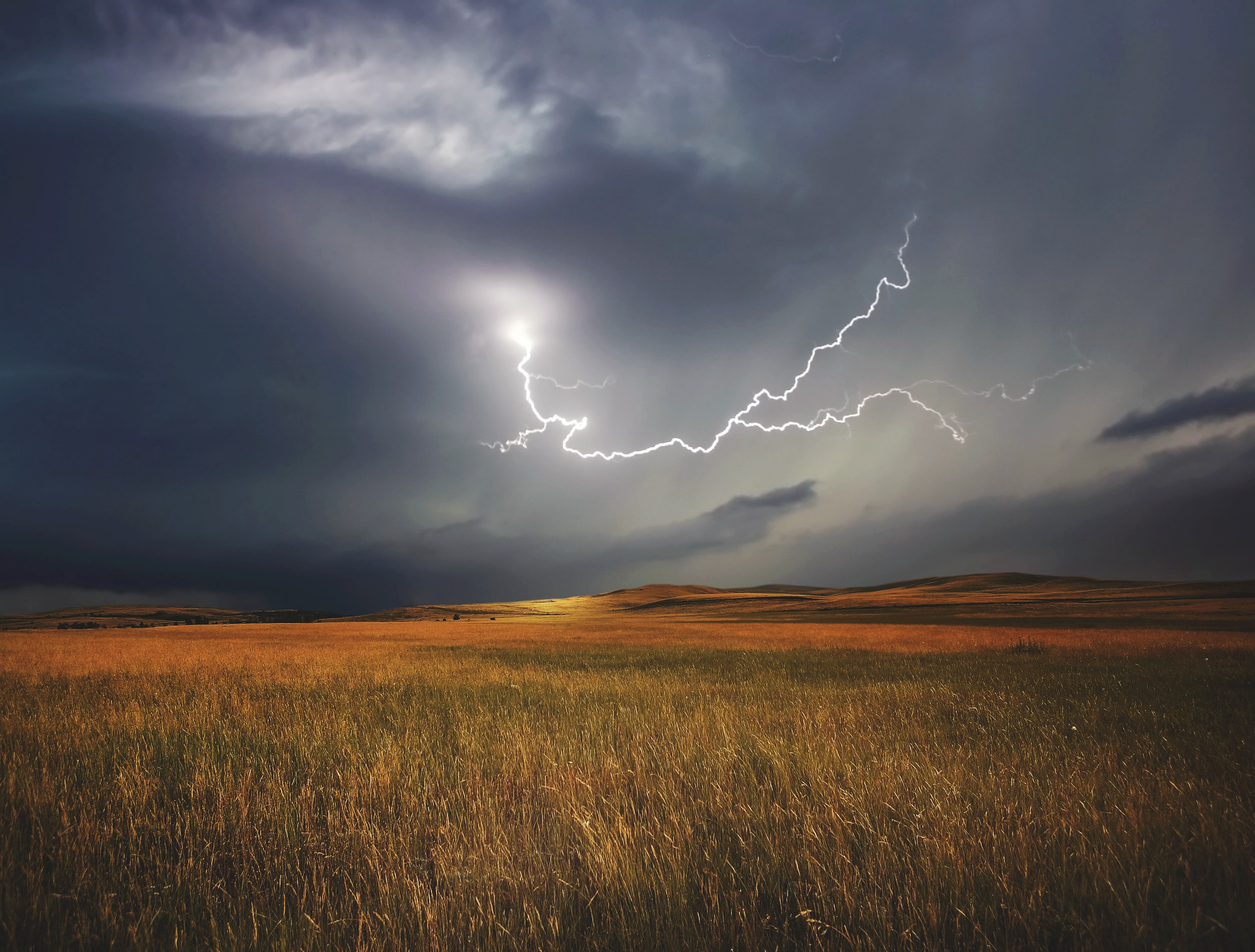 Viharos széllel és zivatarral érkezik a hidegfront! 9