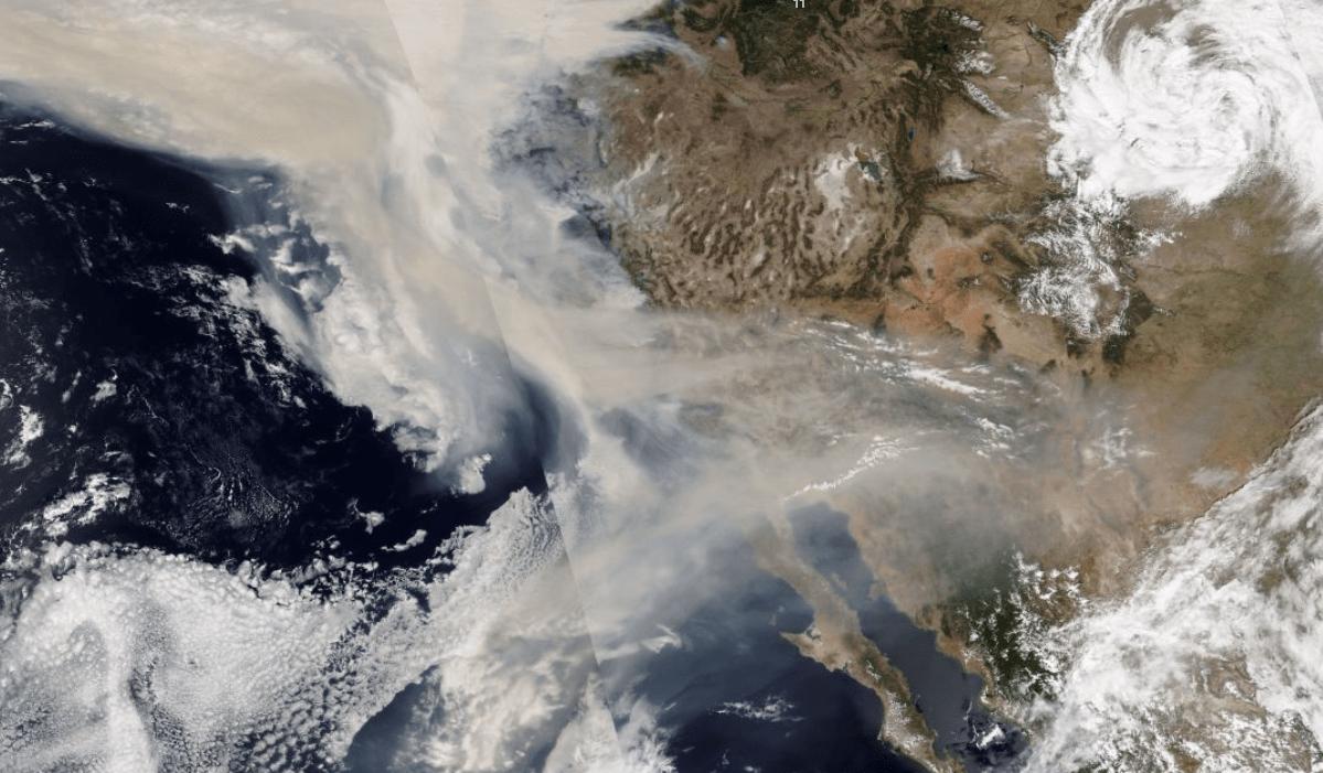 Tombol a bozóttűz az USA nyugati partján, a nagyvárosok fuldokolnak a füstben! 2